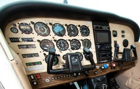 Air Gold Coast Cessna 172RG Instrument Panel