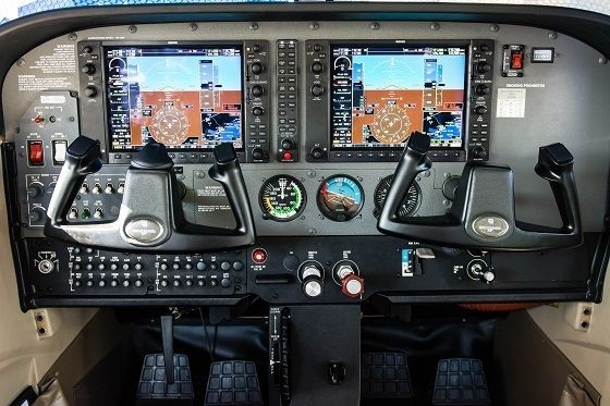 Air Gold Coast Cessna 172S Instrument Panel